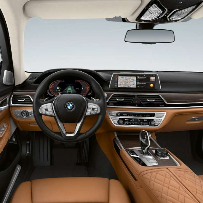 BMW 7-serie sedan med exteriördesignen Pure Excellence-interiör